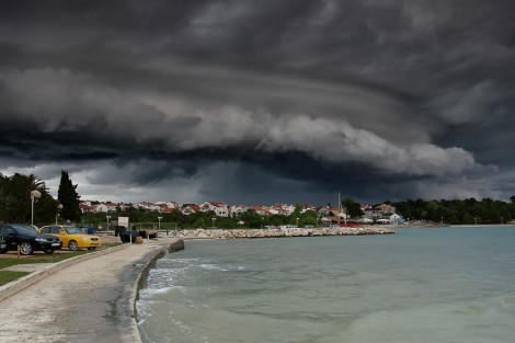 Shelf cloud nad Diklom